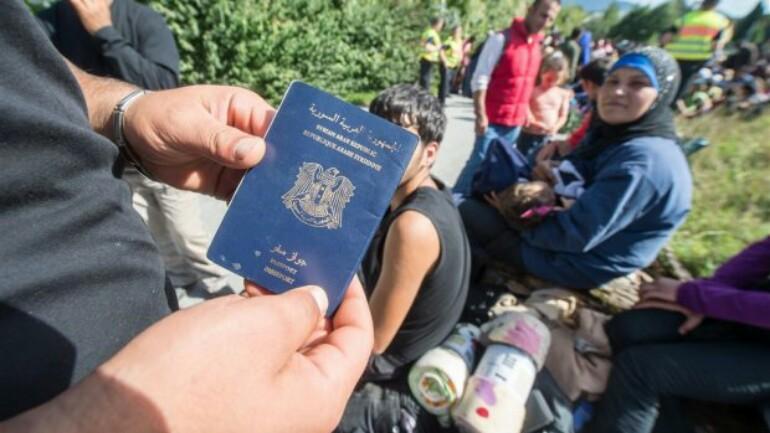 وزارة الأمن والعدل - دخل 30 طالب لجوء الى هولندا بجوازات سفر مشبوهة