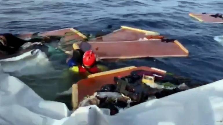منظمة اغاثة اسبانية : خفر السواحل الليبي دمر قارب وأغرق امرأة وطفل عمدا