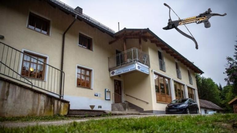 العثور على خمس جثث بمكانين مختلفين في ألمانيا مقتولين بالسهام