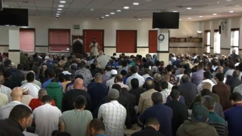 صلاة الجنازة على الرئيس المصري السابق محمد مرسي في مسجدي السنة في دانهاخ و الأزرق في أمستردام