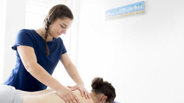 سيتم تغطية العلاج الطبيعي لمرضى الروماتيزم ضمن التأمين الأساسي