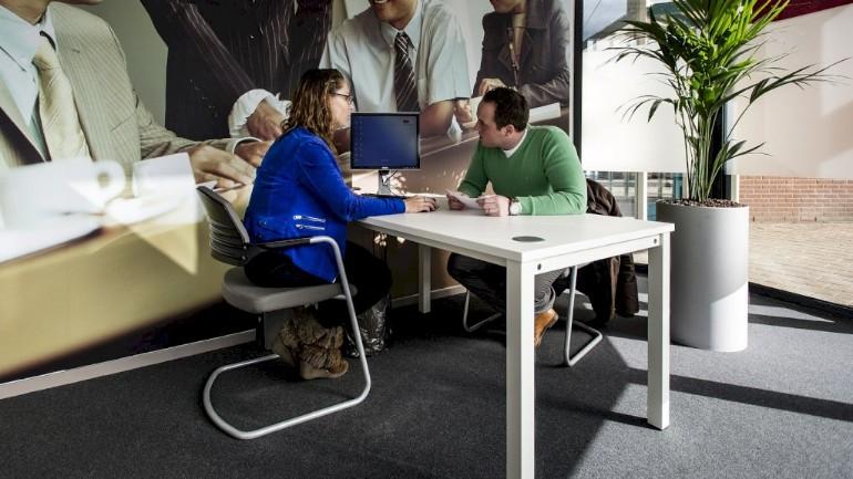 لا يستطيع العمال المؤقتين في هولندا تغطية نفقاتهم و يحتاجون لأكثر من وظيفة لأجل ذلك