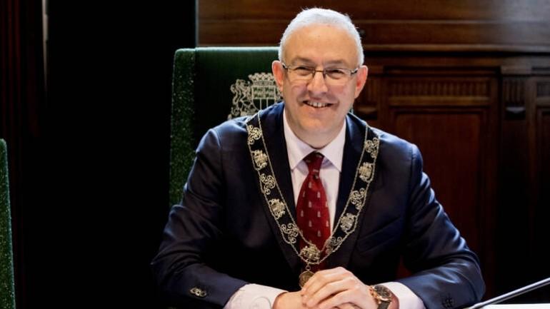 أحمد أبو طالب يريد تمديد فترة رئاسته لبلدية روتردام لست سنوات أخرى