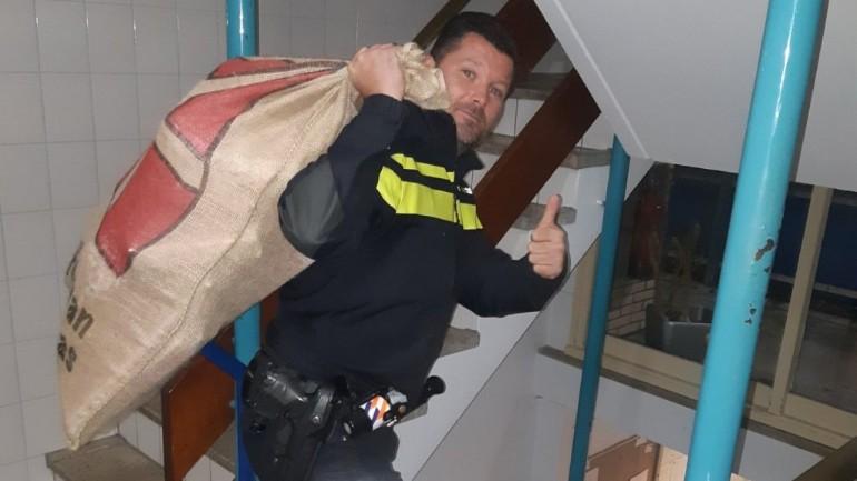 تعرض كيس هدايا سنتركلاس للسرقة في أوتريخت لكن الشرطة تتمكن من جلبه في الوقت المناسب