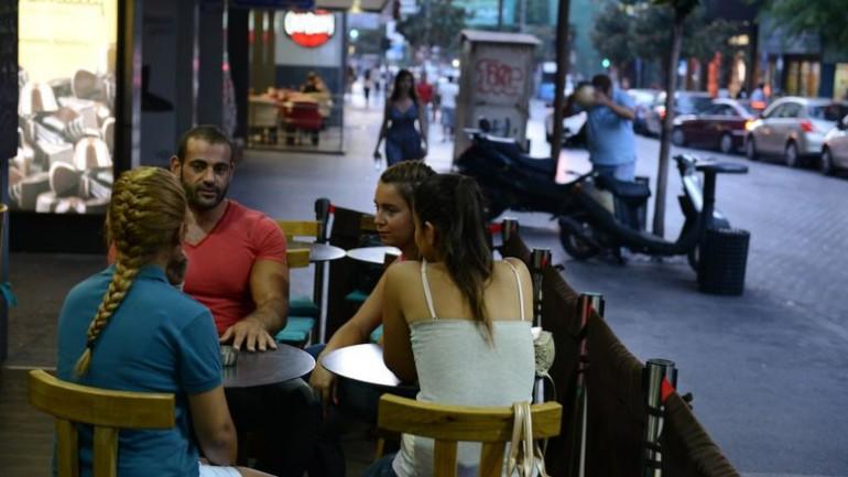 مراسلة صحفية هولندية: لا تقلق إذا فقدت محفظتك في سوريا لأنها ستعود إليك