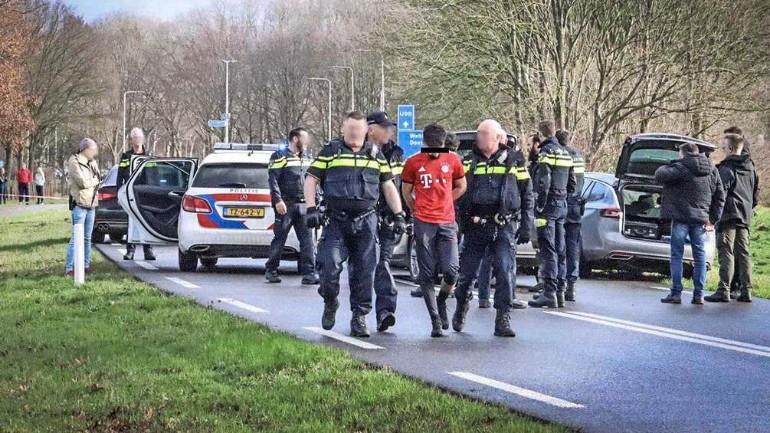 القبض على أربعة رجال يحملون الجنسية الفرنسية حاولوا اقتحام سجن زوتفن لتهريب عمر.ل