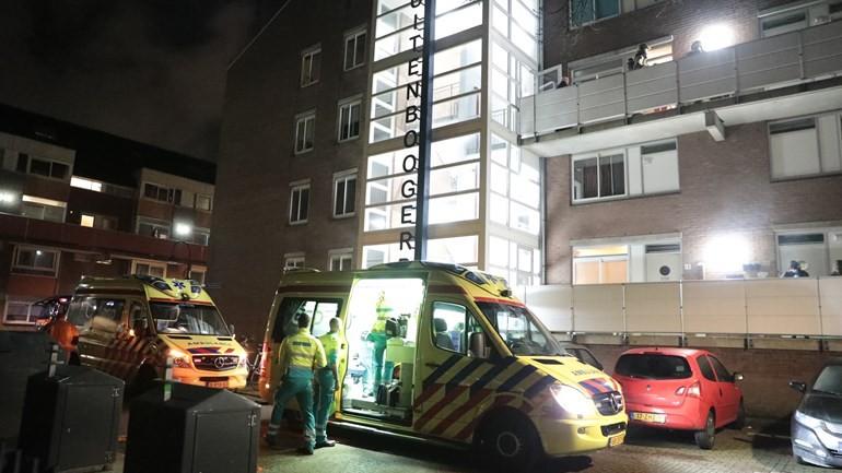 إسعاف عائلة مع ثلاثة أطفال إلى المشفى في دلفت بعد تسممهم بأول أوكسيد الكربون