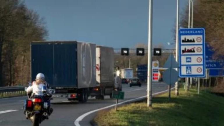 اعتقال شخصين من سوريا على الطريق السريع A67 قرب فينلو للإشتباه بتهريب البشر