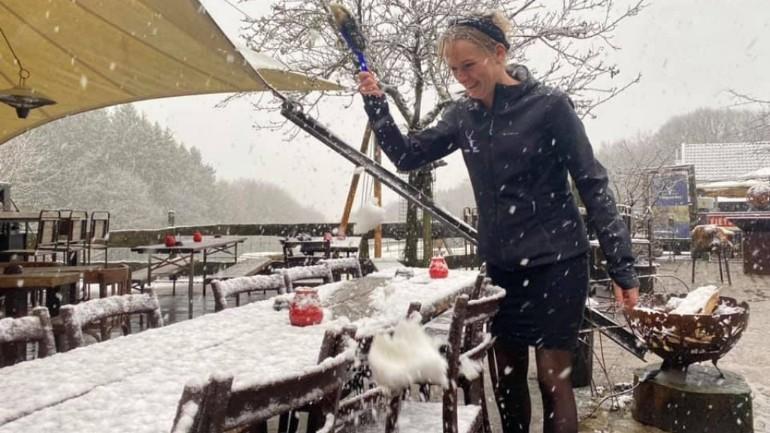 تساقط الثلوج صباح اليوم في عدة أماكن في مقاطعة ليمبورخ الهولندية