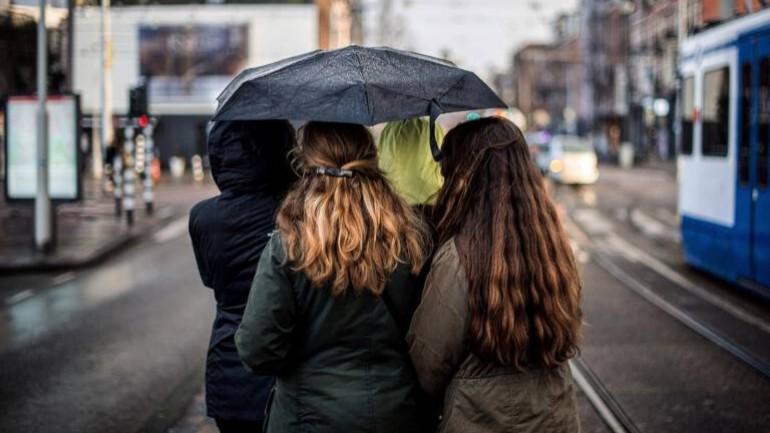 """بلدية أمستردام تطلق حملة """"أنتِ لستِ لوحدك"""" ضد التحرش الجنسي و تعنيف المرأة"""