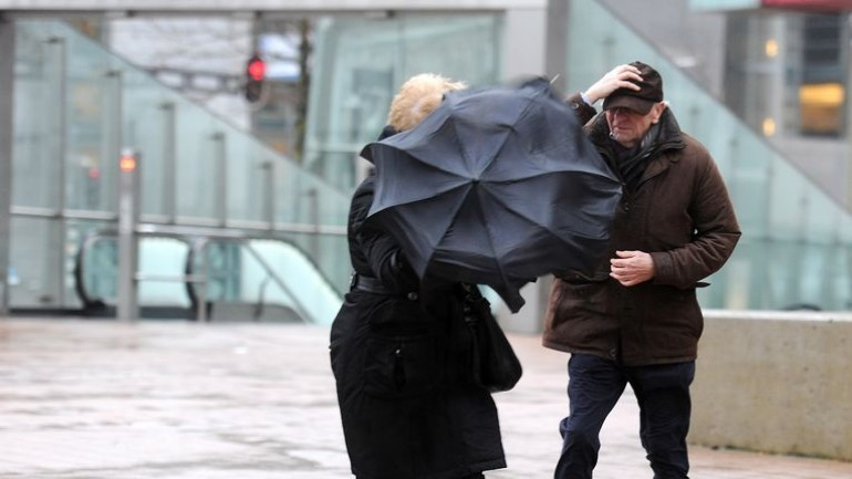 هذه الليلة ستصل العاصفة دينيس إلى هولندا: رياح شديدة وأمطار غزيرة
