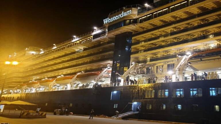 لا يزال 31 هولندياً عالقين على متن السفية فيستردام بعد اكتشاف اصابة راكبة بفيروس كورونا