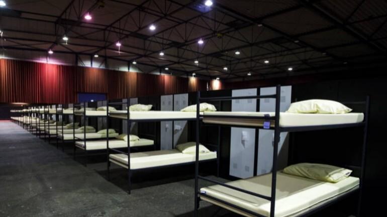 بلدية ليواردن تقدم صالة مناسبات لاستقبال 600 من طالبي اللجوء في هولندا
