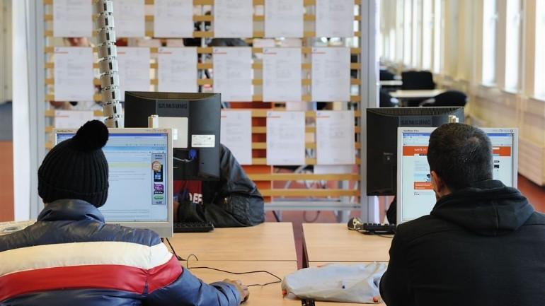 ستدفع الحكومة الهولندية 90 بالمائة من رواتب الموظفين والعمال في الشركات التي تأثرت بإجراءات محاربة فيروس كورونا