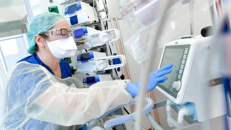 المعهد الصحي يعلن عن إصابة 1019 شخص جديد و وفاة 134 مريض بفيروس كورونا: أصبح العدد  13,614 مصاباً في هولندا