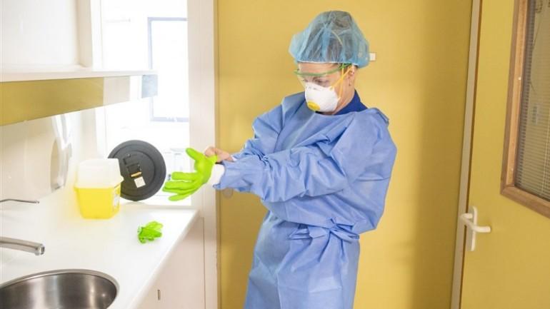 مقدمي الرعاية الصحية في هولندا يخشون على سلامتهم: هناك نقص فادح في أدوات الحماية