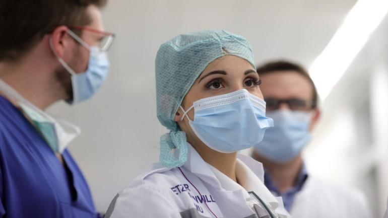 المعهد الصحي يعلن عن إصابة 1083 شخص جديد و وفاة 166 مريض بفيروس كورونا: أصبح العدد 14,697 مصاباً في هولندا