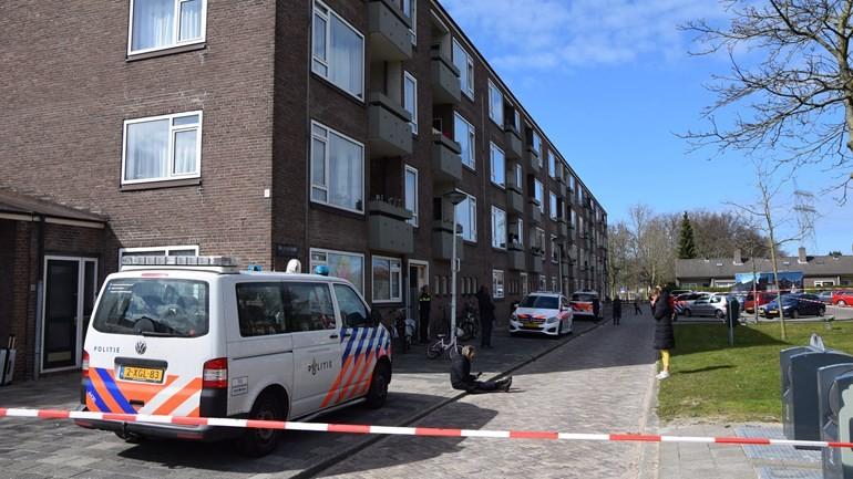 العثور على جثة في منزل بمدينة لايدن ونقل طفلين كانا بجوارها إلى المشفى