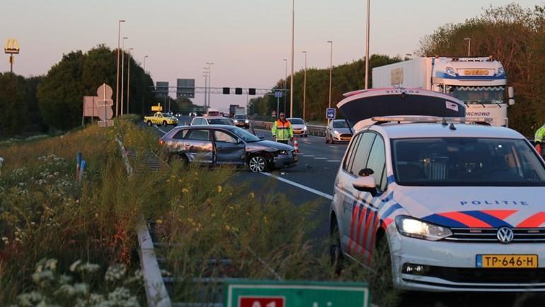رجلين يلقيا 13,000 يورو أثناء هربهما من مطاردة الشرطة على الطريق السريع A1