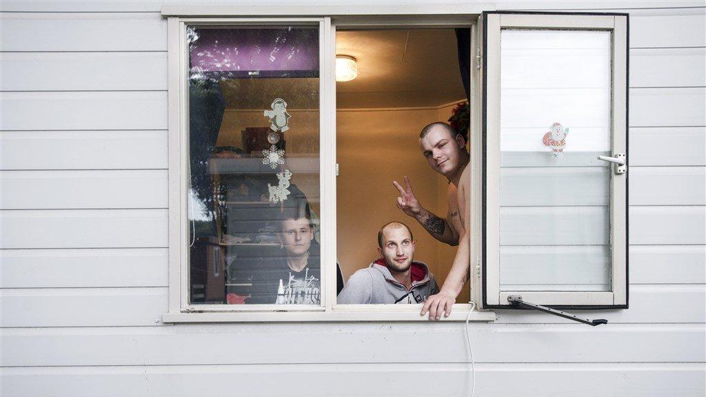 نصيحة: لا تدع العمال المهاجرين ينامون في غرفة واحدة