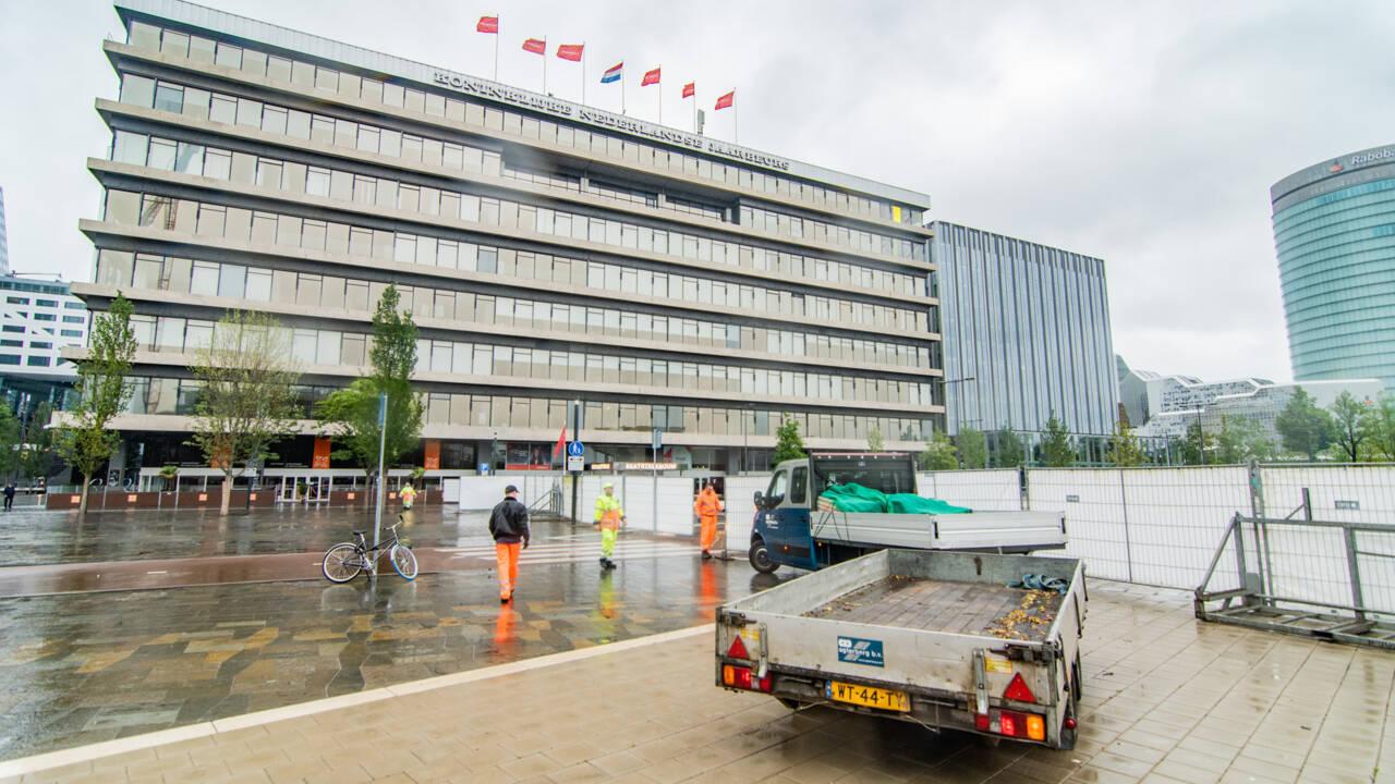 """أسوار حول Jaarbeursplein Utrecht ، """"إجراء وقائي"""" لمنع احتجاجات الكورونا المحظورة"""