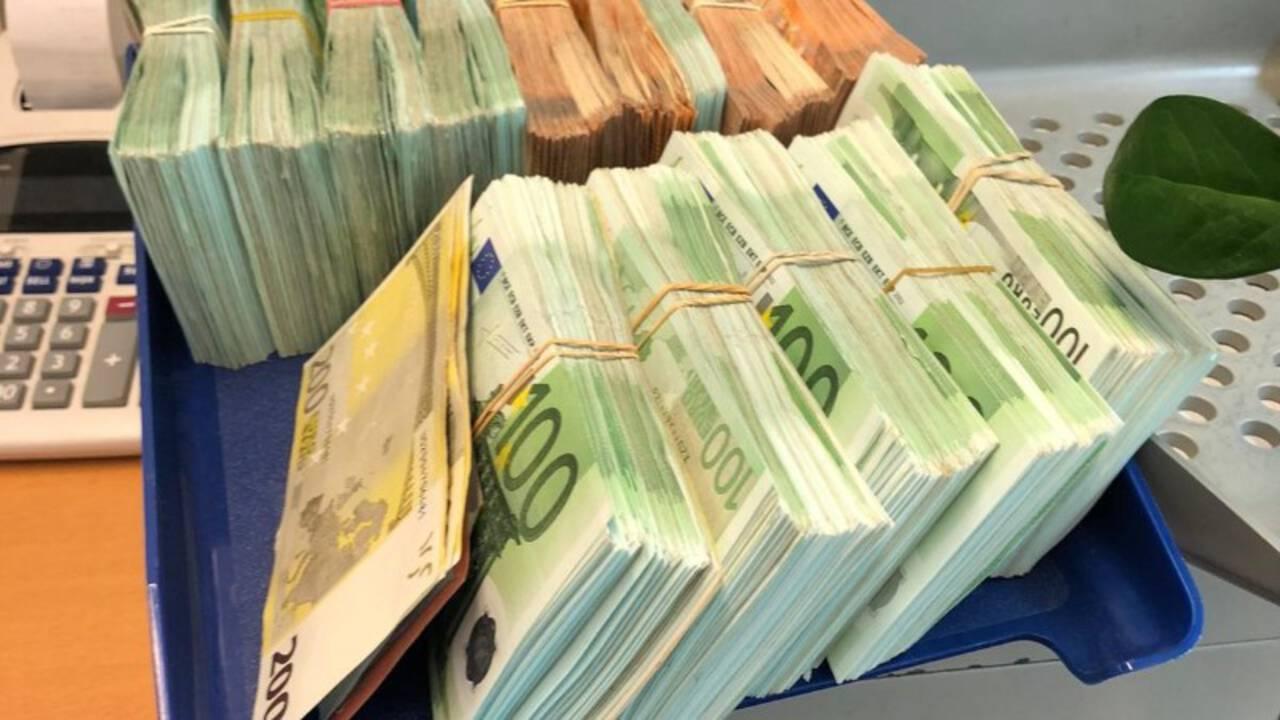 تضاعفت المعاملات المشبوهة إلى 19 مليار يورو في العام