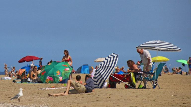 الشواطئ ممتلئة وKatwijk تنادي بالتوقف عن الحضور بعد الآن