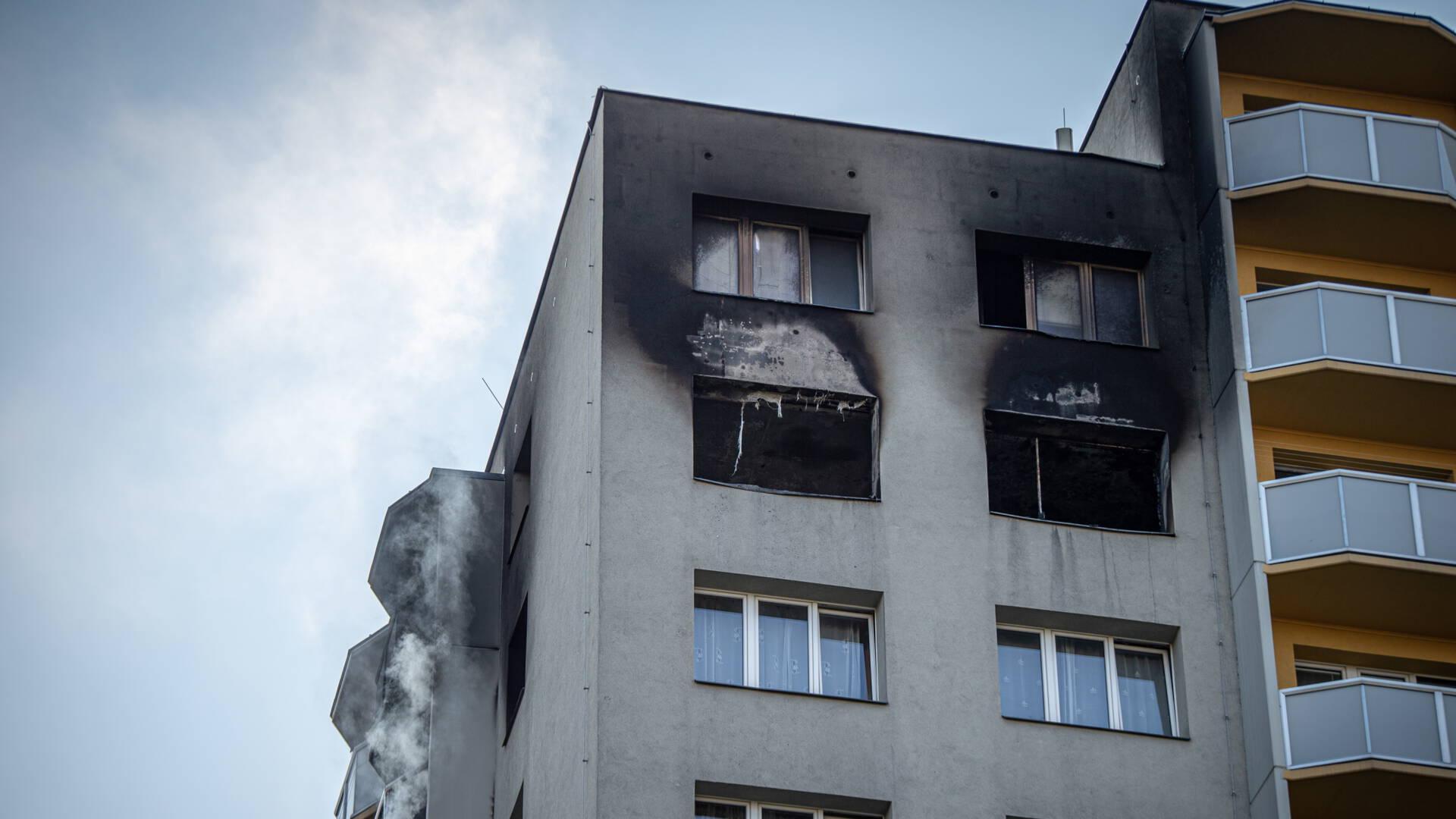 11 قتيلاً في حريق برج سكني في جمهورية التشيك