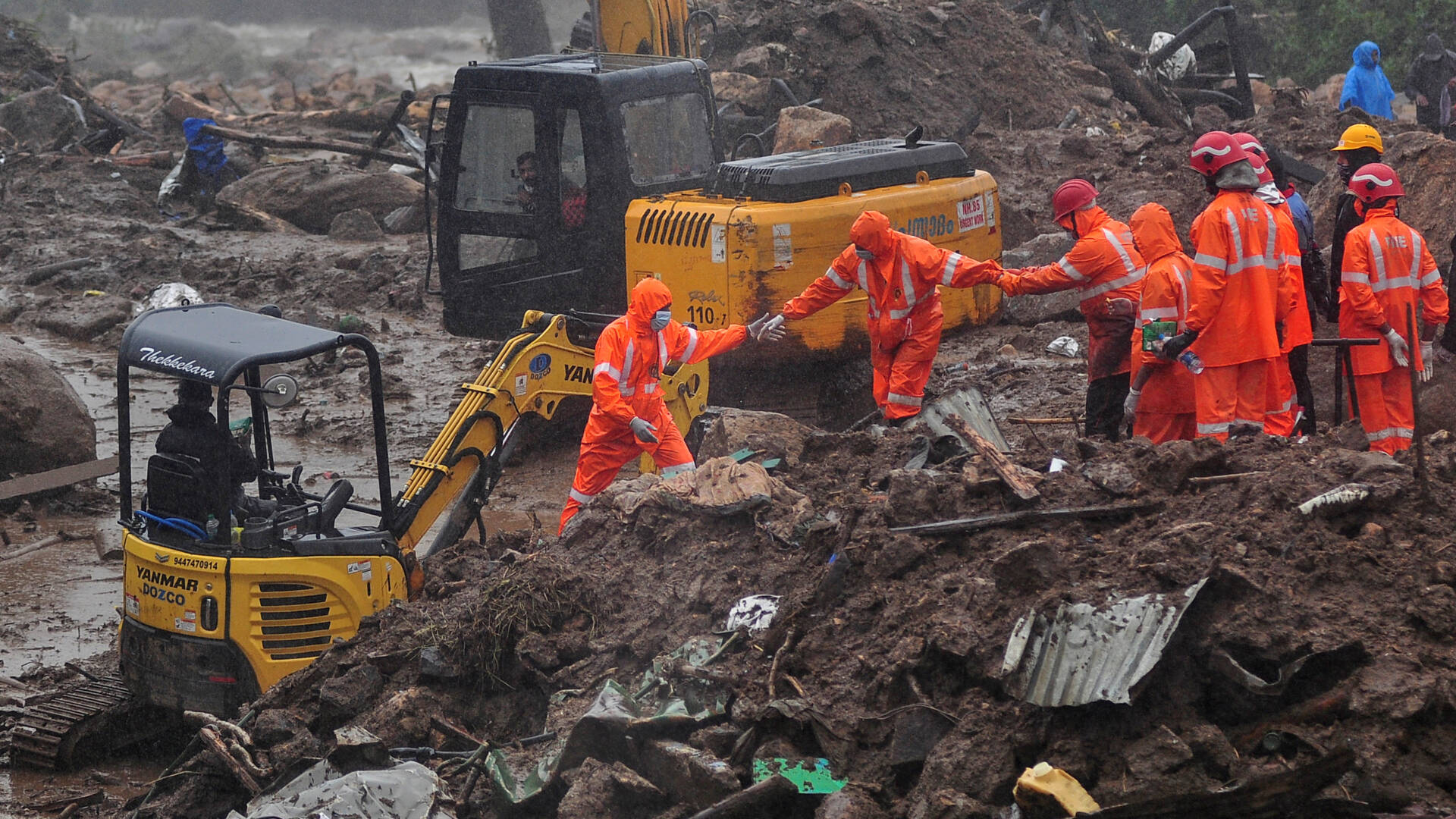 ارتفاع عدد القتلى بسبب الانهيار الأرضي في الهند إلى أكثر من 40 شخص