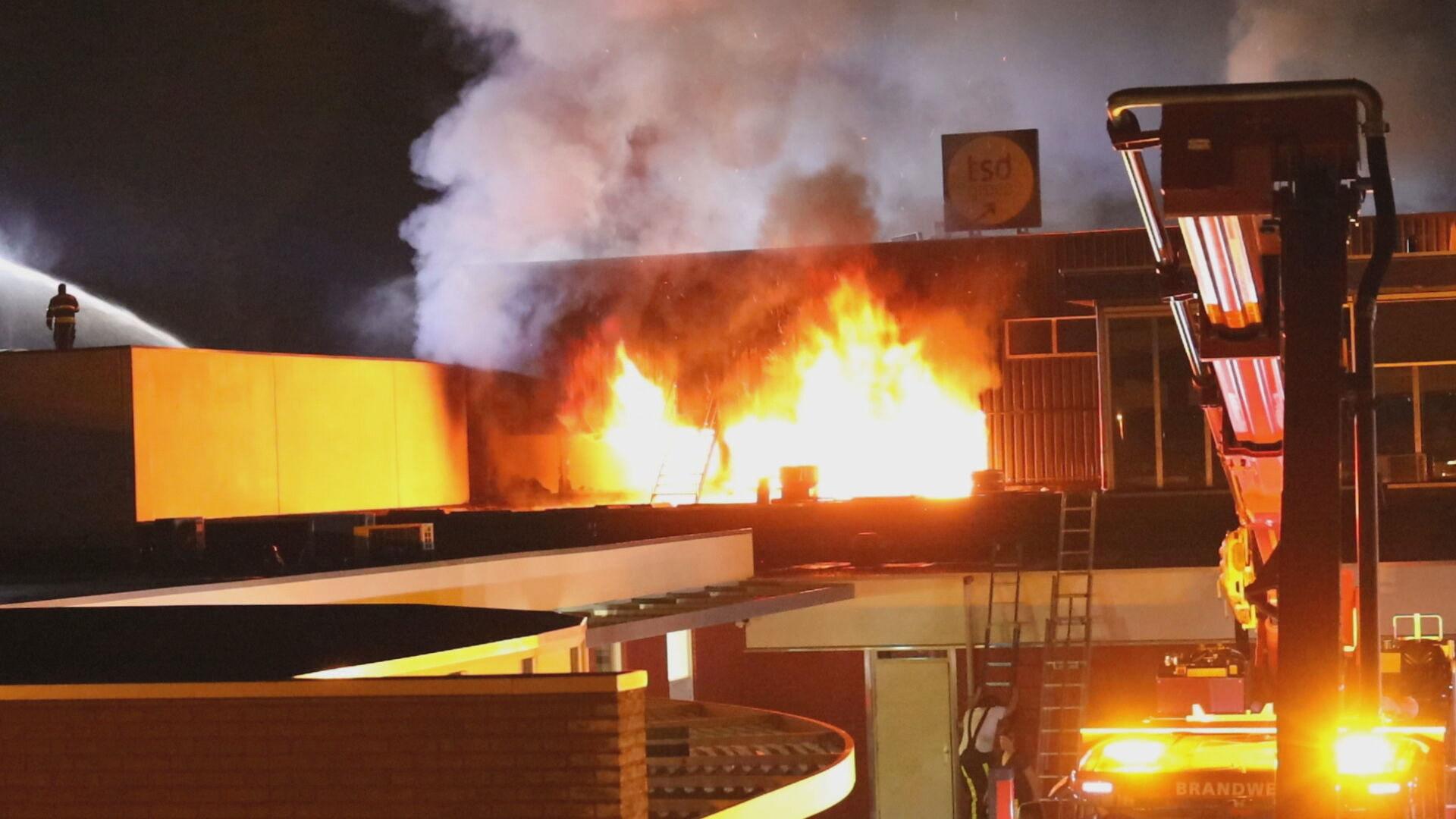 حريق كبير في عقار تجاري في Tilburg