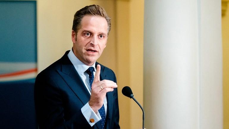 مجلس الوزراء: الحجر الصحي إلزامي بعد الاتصال الوثيق مع مريض كورونا