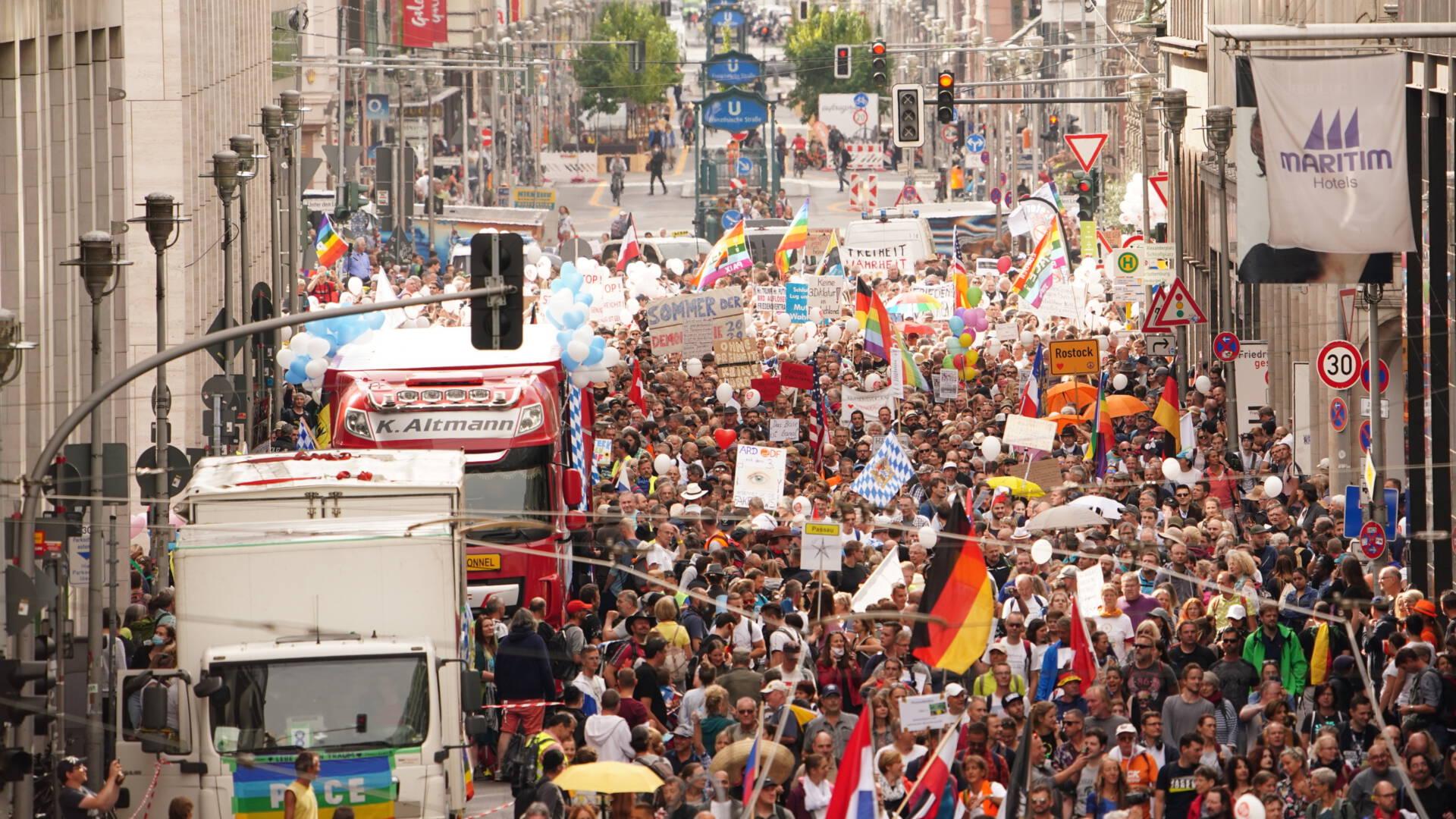 ألمانيا مستعدة لقبول 1500 مهاجر من الجزر اليونانية