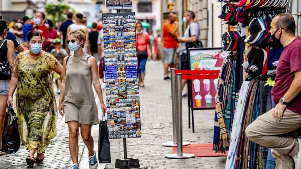 نصيحة العلماء للحكومة الهولندية: الأقنعة ضرورية لاحتواء فايروس كورونا