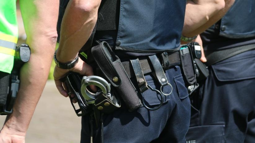اعتقال صاحب مقهى في Oud-Vossemeer بعد اعتدائه على ضباط الشرطة