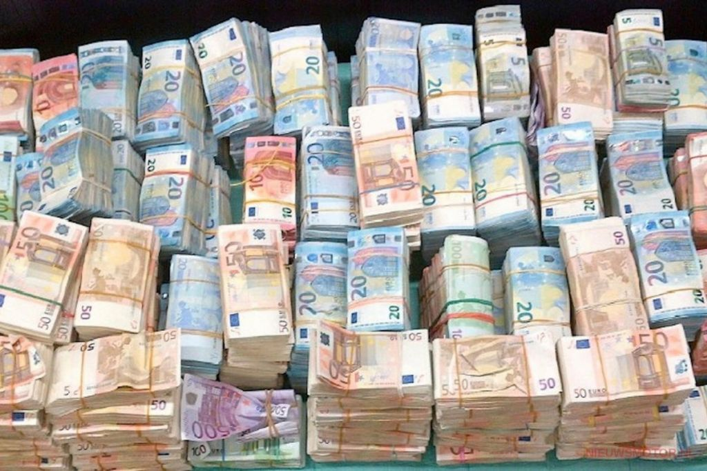 سيتم حظر الدفع النقدي قريباً في هولندا