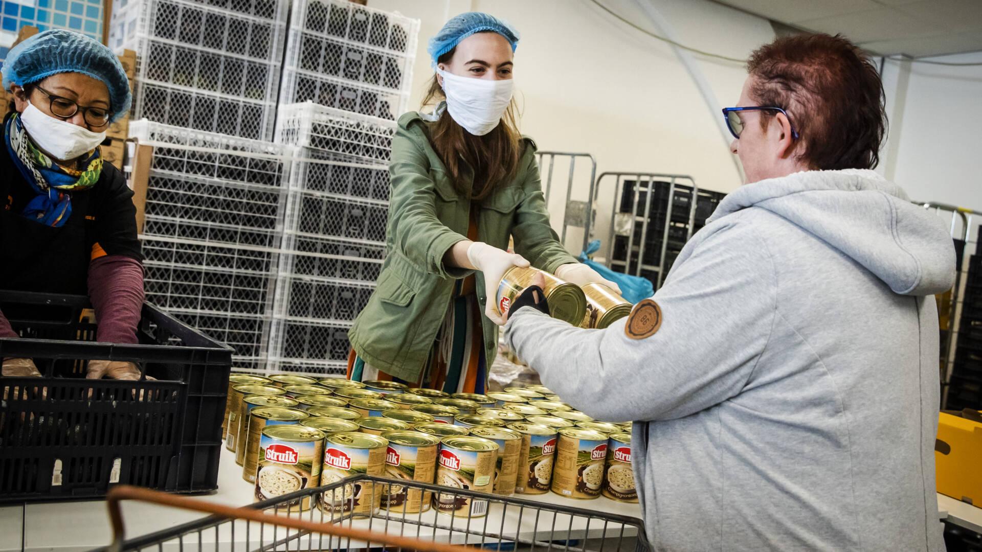 بنوك الطعام فارغة بسبب قلة التبرعات الغذائية