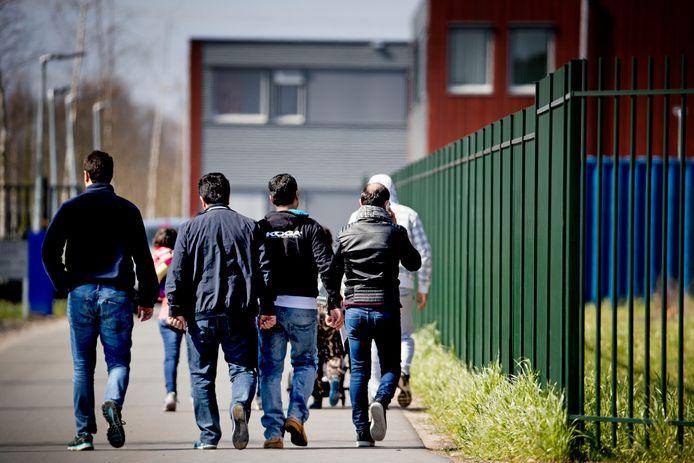 آلاف القضايا في المحاكم بين طالبي اللجوء ودائرة الهجرة والتجنيس