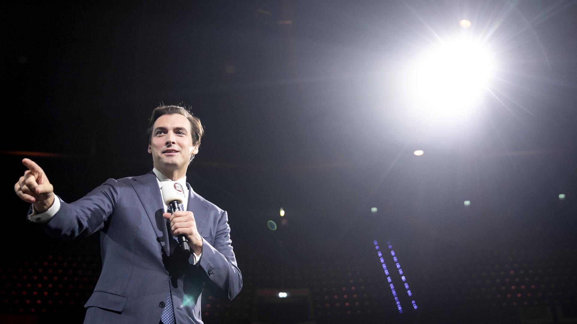 Thierry Baudet يتنحى عن منصب رئيس الحزب لمنتدى الديمقراطية