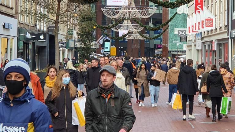 هل سيتم حظر الجمعة السوداء؟ بعد اغلاق بعض المتاجر في روتردام