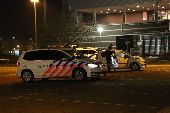 مقتل شاب بعد تعرضه للطعن في موقف سيارات في مدينة Lelystad