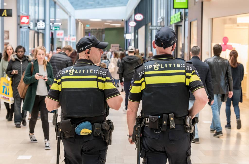 """طلقة تحذيرية واعتقالات بعد """"مزاح"""" في أوسترهوت"""