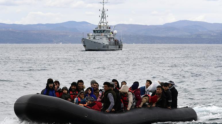"""المفوضة الأوروبية للشؤون الداخلية تدعو"""" فرونتكس"""" لتقديم توضيحات بشأن إعادة قسرية للاجئين"""