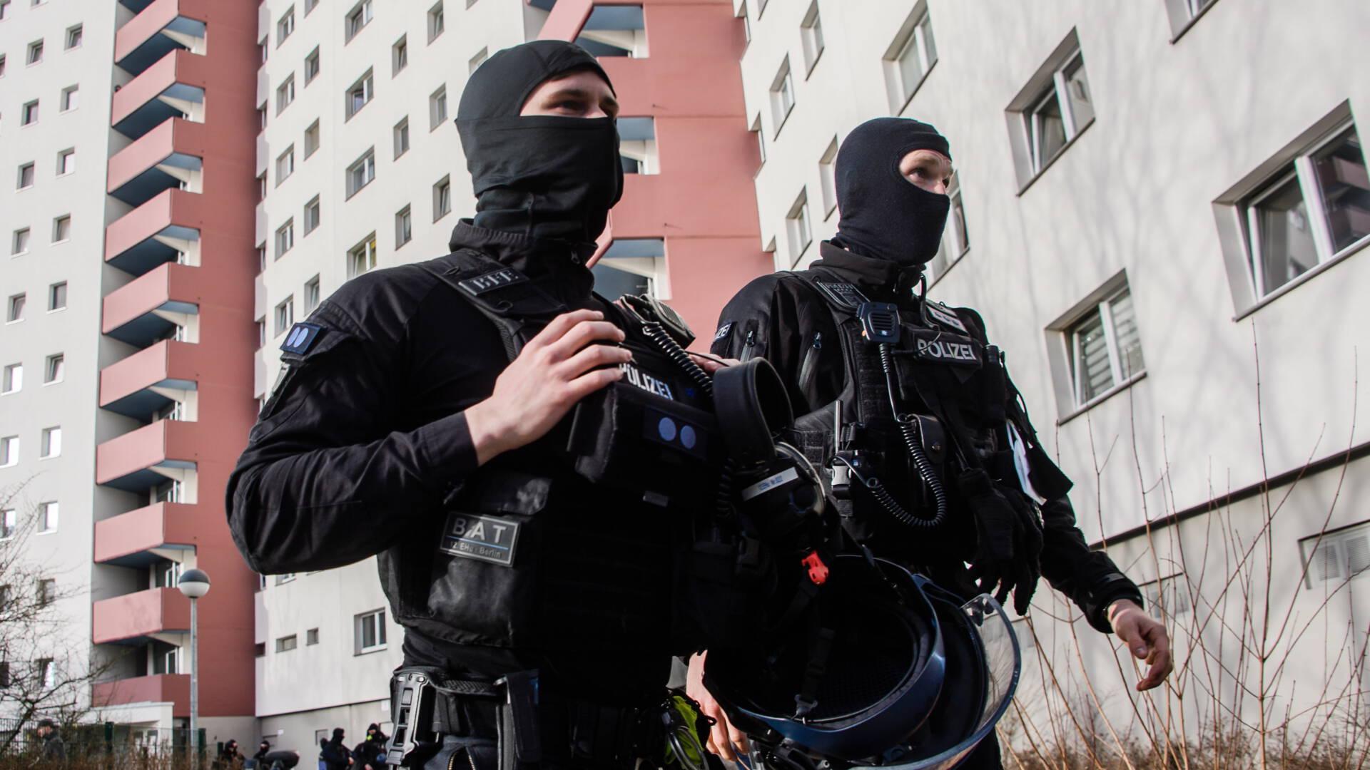 """شبكة جهادية خطيرة في برلين تروج لعمليات """"استشهادية"""" تقوم الشرطة بعمليات بحث عنها"""