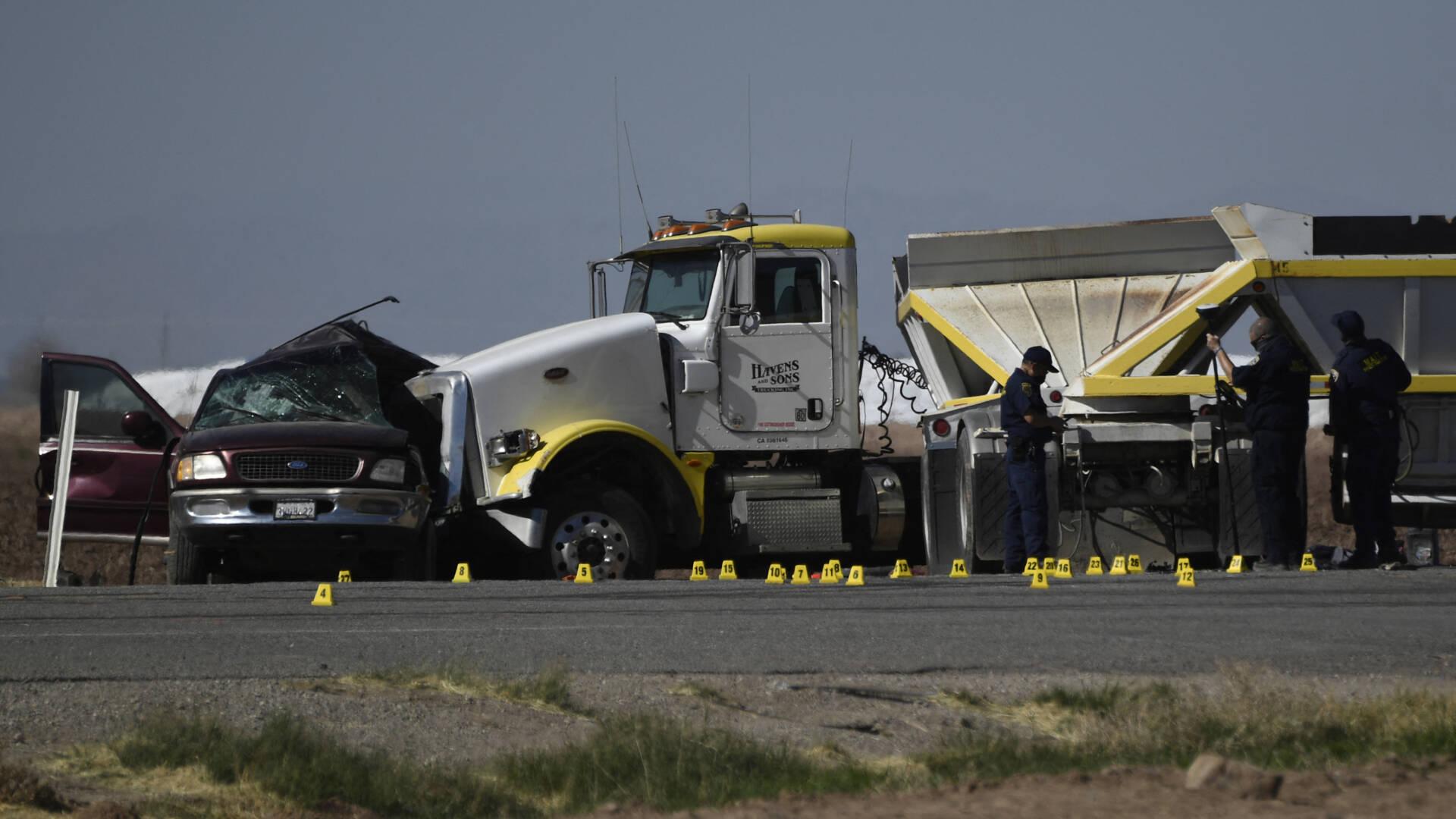 مقتل ما لا يقل عن 13 في حادث سيارة خطير في جنوب كاليفورنيا