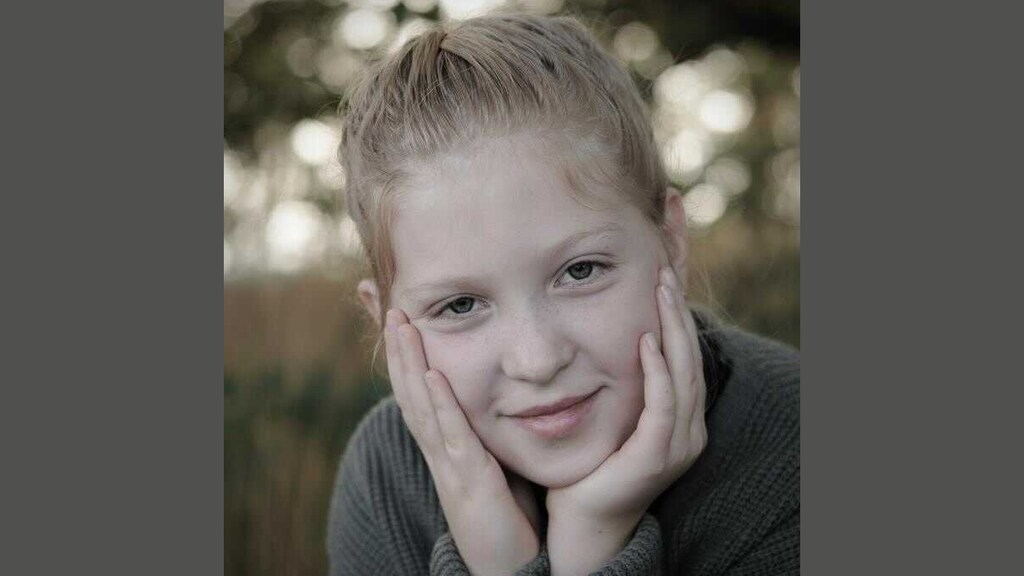 أصغر من أن تموتان : قُتلت الفتاتان إيزابيل وفيرل (8 أعوام) في حادث في كوفوردن