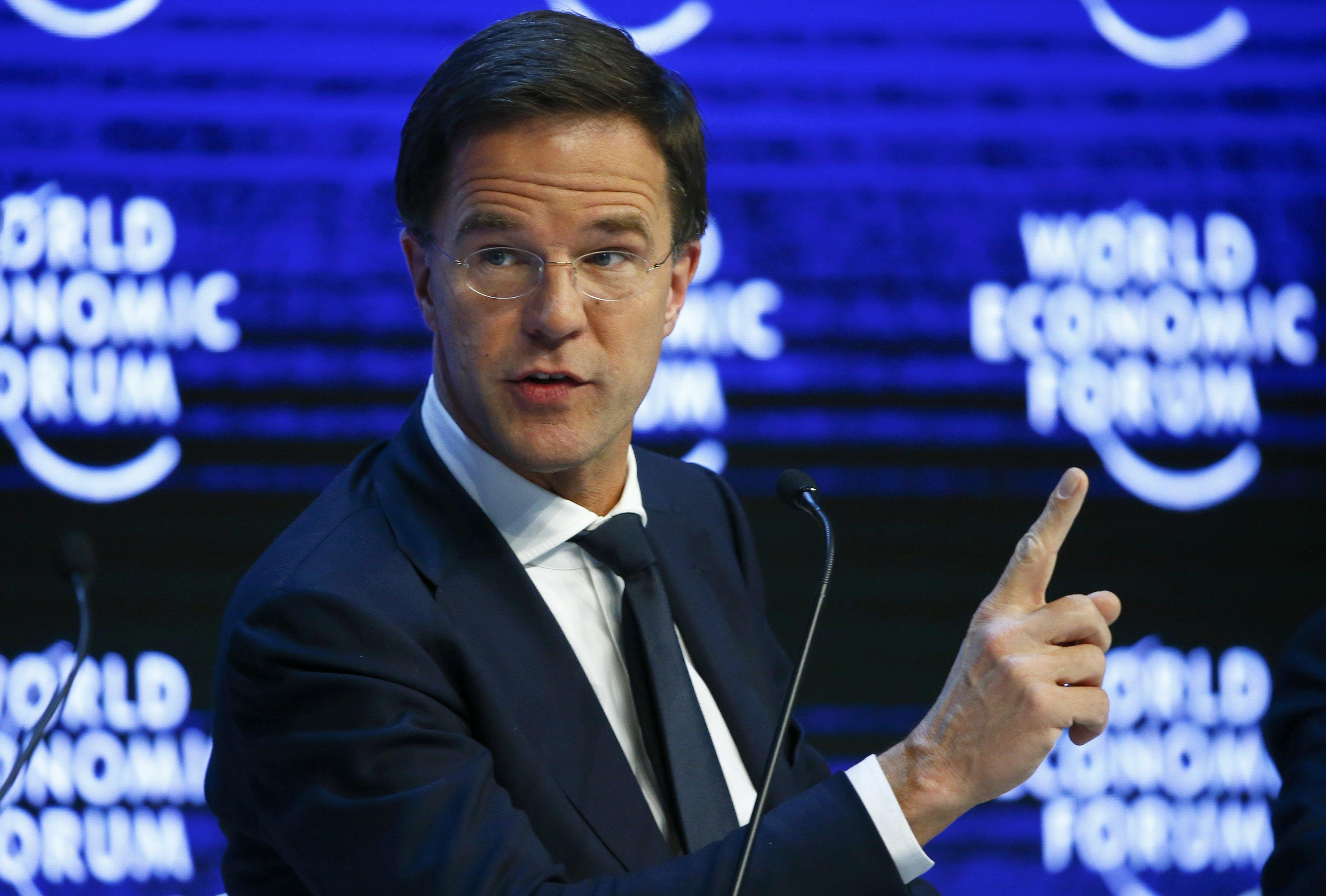 رئيس وزراء هولندا ينجو من تصويت لسحب الثقة من حكومته