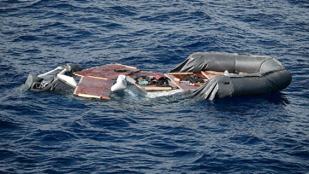 غرق نحو 50 مهاجراً قبالة مدينة الزاوية