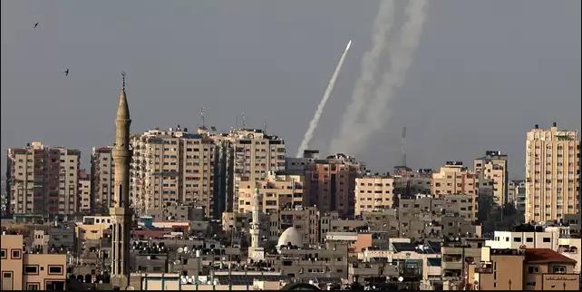 الاتحاد الأوروبي والولايات المتحدة يدينان تصاعد العنف في القدس وقطاع غزة