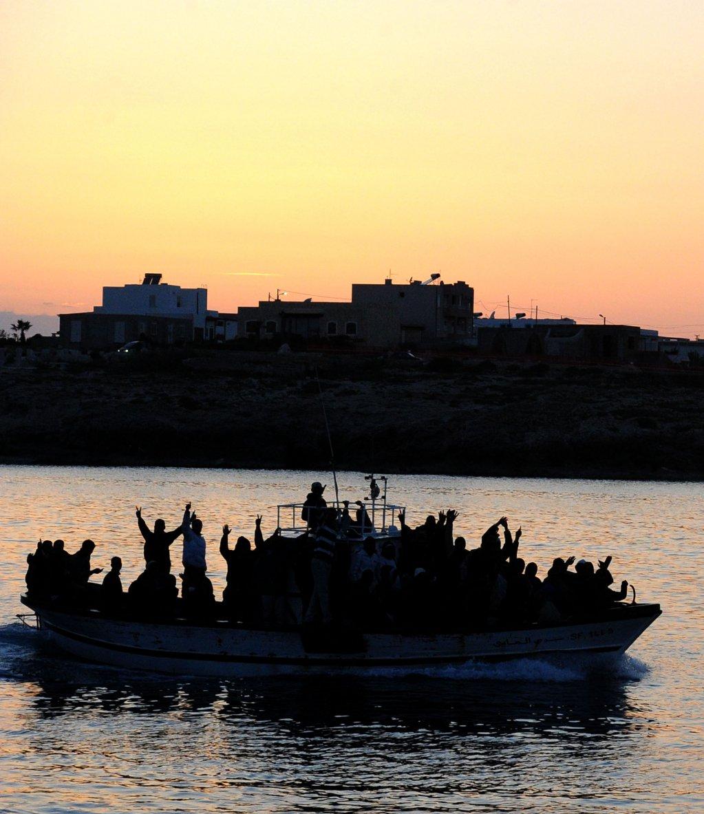 في يوم واحد اعتراض أكثر من 260 مهاجراً في البحر الأبيض المتوسط