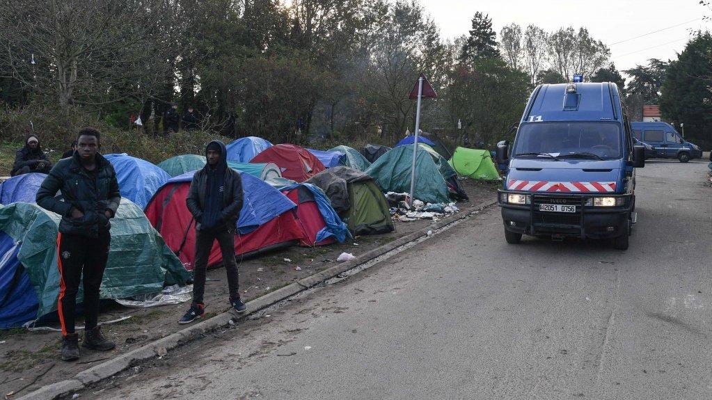 أجواء عنف متزايدة واشتباكات في مراكز اللجوء بفرنسا